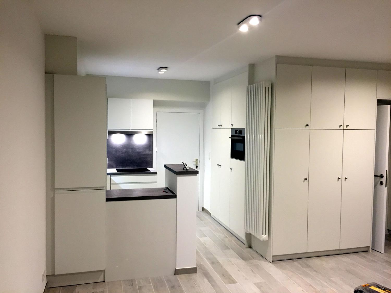 nieuwe keuken door renovatiebedrijf Christophe vandewalle